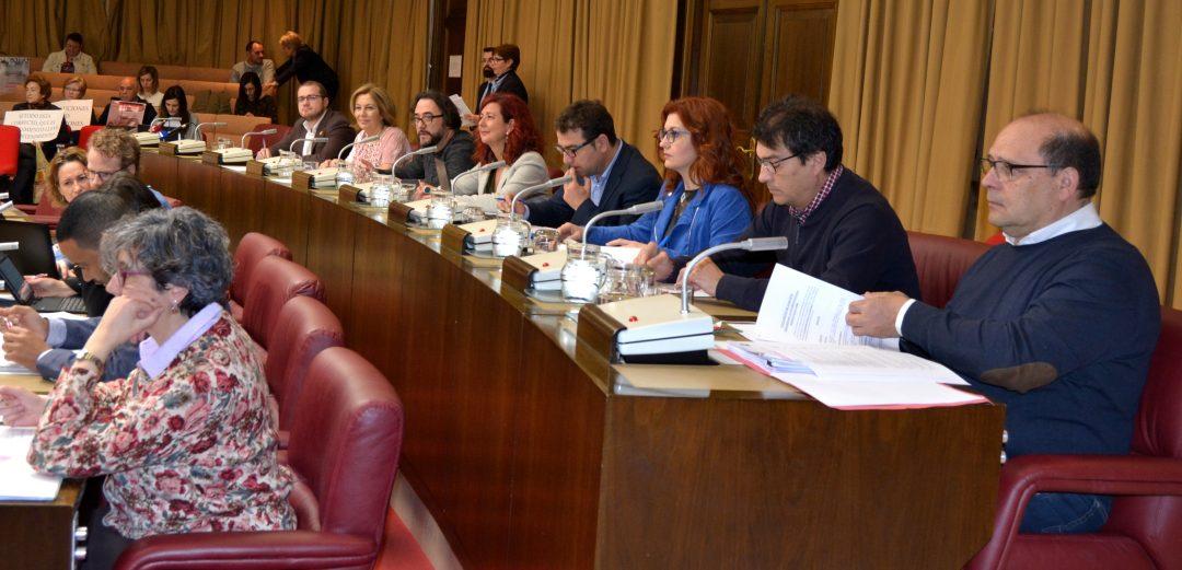 TAN SOLO EL PP SE OPUSO A LA MOCIÓN SOCIALISTA QUE PROPONÍA MEDIDAS DE APOYO A LOS 27.000 ESTUDIANTES DE ALBACETE
