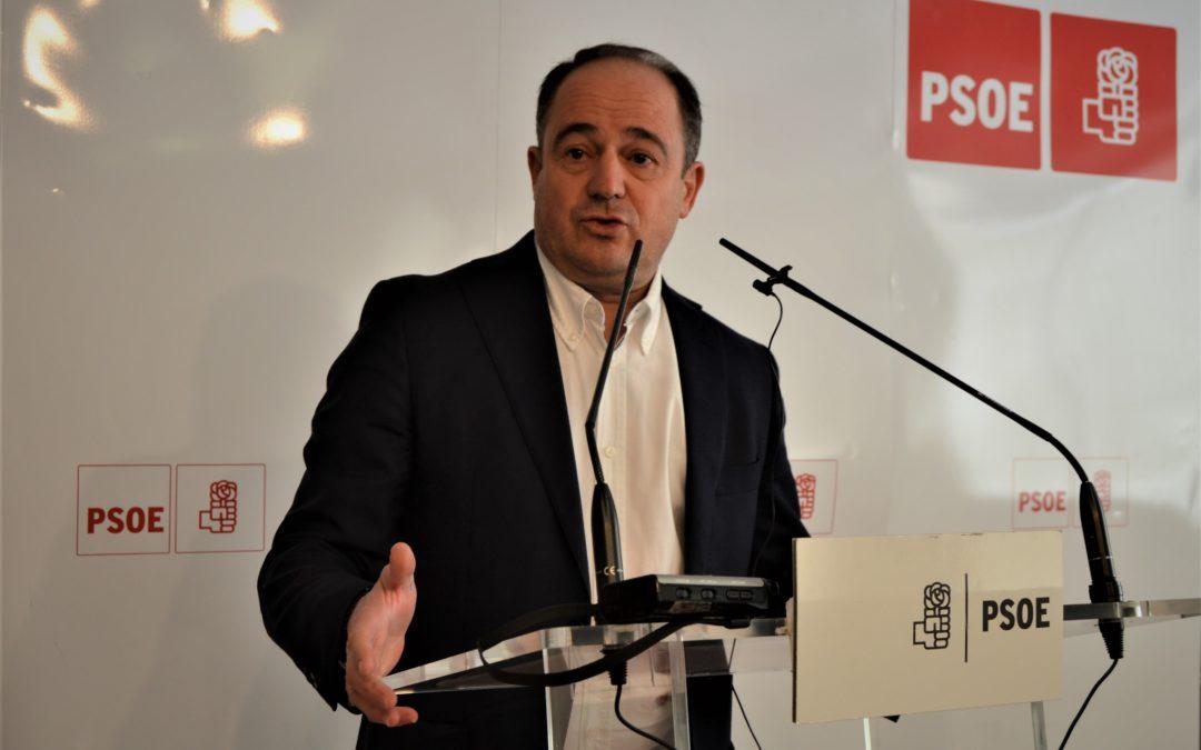 EMILIO SÁEZ SE COMPROMETE A IMPULSAR UN PLAN DE INVERSIONES PARA RECUPERAR Y MEJORAR LAS INSTALACIONES DEPORTIVAS DE LA CIUDAD